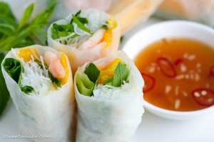 Vietnamese spring rolls with prawn & mango