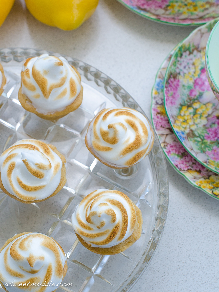 Lemon meringue tartlets | A Sweet Muddle