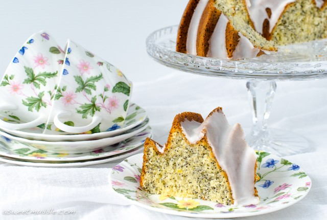 Lemon poppy seed cake | A Sweet Muddle