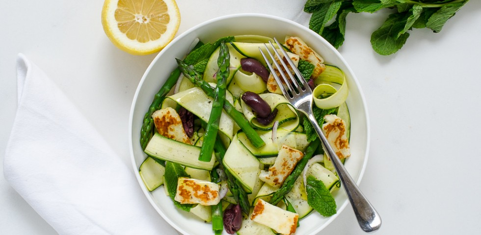 Zucchini ribbons with asparagus and halloumi | A Sweet Muddle